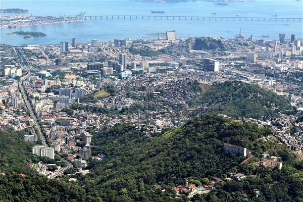 LE CENTRE DE RIO VUE DU CORCOVADO CHRIST REDEMPTEUR A RIO DE JANEIRO BRESIL