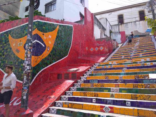 LE HAUT DE L'ESCALIER SELARON A LAPA RIO DE JANEIRO BRESIL