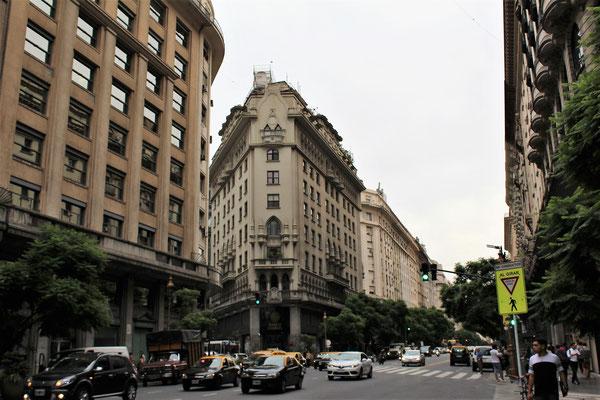 L'AVENUE DE MAYO A BUENOS AIRES ARGENTINE