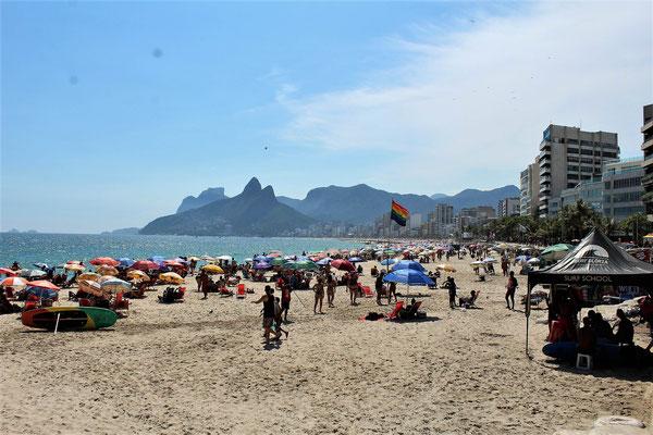 LA PLAGE DE IPANEMA A RIO DE JANEIRO BRESIL
