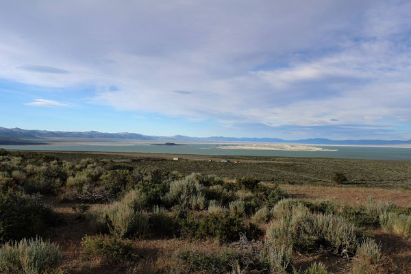 VUE SUR MONO LAKE A LEE VILING CALIFORNIE