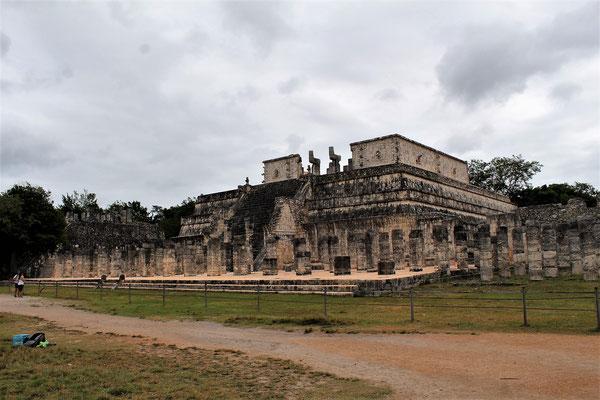 LE TEMPLE DE LOS GUERREROS CHICHEN ITZA YUCATAN
