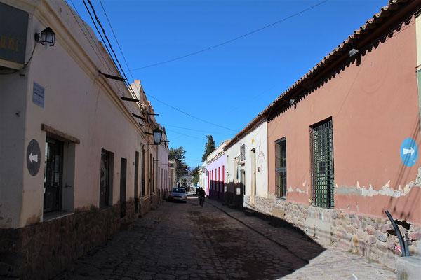 RUE DE HUMAHUACA SUR ROUTE NORD SALTA ARGENTINE