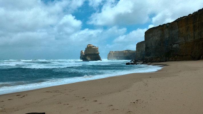 POINT DE VUE SUR GIBSONS STEAPS LE PREMIER APÔTRE SUR LA GREAT OCEAN ROAD AUSTRALIE