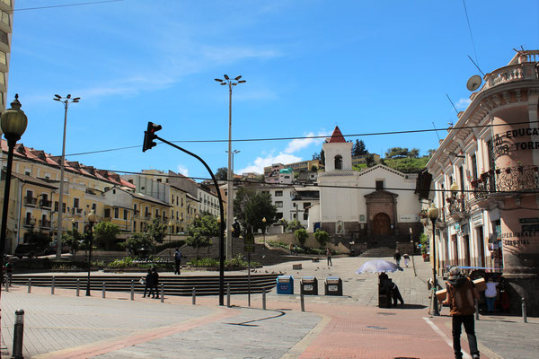 PLACE ET EGLISE SAN BLAS QUITO EQUATEUR
