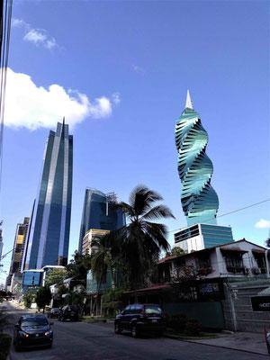 IMMEUBLES VUS DEPUIS NOTRE RUE A PANAMA