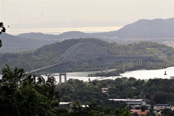 LE PONT DES AMERIQUES VUE DE LA COLLINE CERRO ANCON A PANAMA