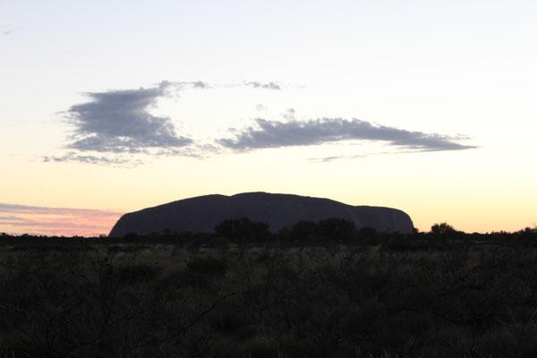ULURU LEVER SOLEIL DEPUIS LA ROUTE VUE DU  NORD-OUEST NP ULURU KATA TJUTA NOUTH TERRITORY AUSTRALIE