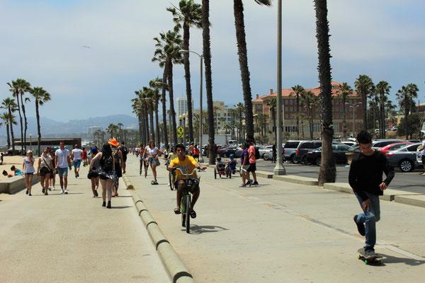 LE FRONT DE MER ENTRE SANTA MONICA ET VENICE LOS ANGELES CALOFORNIE