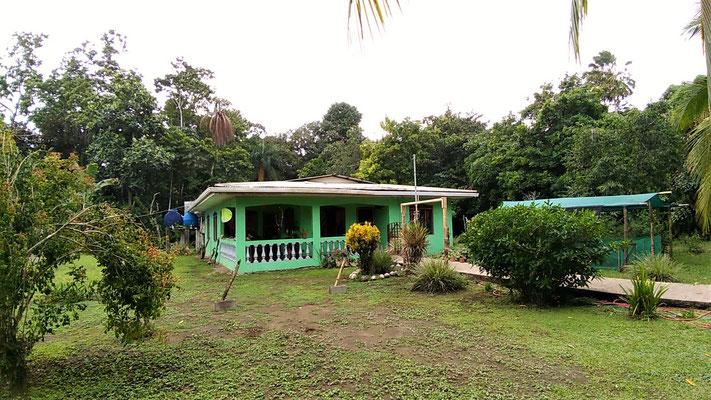 NOTRE GUEST A CAHUITA COSTA RICA