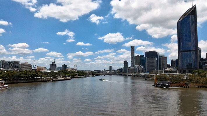 DEPUIS LE GOODWILL BRIDGE LA BRISBANE RIVER ET LA VIILE DE BRISBANE AUSTRALIE
