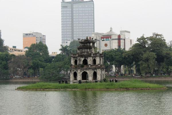 LA TOUR TORTOISE SUR LE LAC HO HUAN KIEM A HANOI VIET NAM