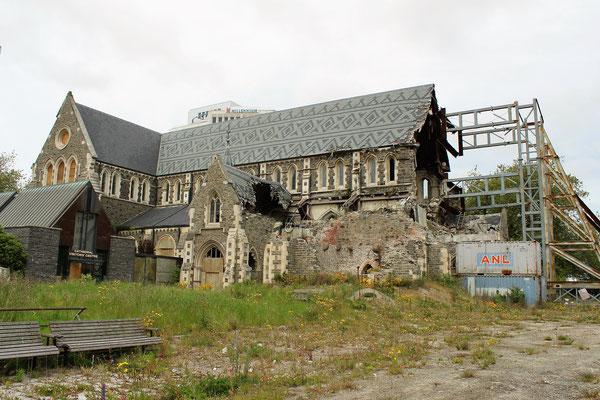 CATHEDRALE SQUARE EN TRAVAUX SUITE TREMBLEMENT DE TERRE DE 2011 CHRISTCHURCH ILE DU SUD NZ