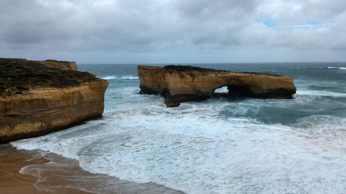 LE LONDON BRIDGE SUR LA GREAT OCEAN ROAD AUSTRALIE