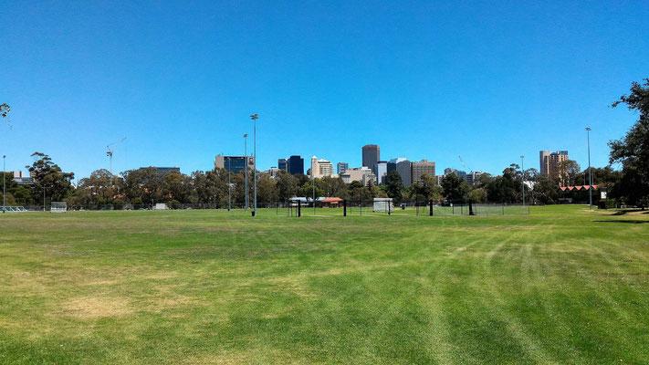 LE CENTRE VILLE VUE DE KARRAWIRRA PARK AU NORD-EST ADELAÏDE SOUTH AUSTRALIA AUSTRALIE