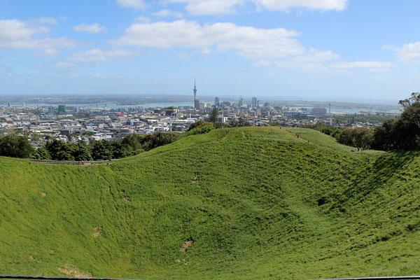 VUE SUR LE CENTRE VILLE DEPUIS MONT EDEN A AUCKLAND ILE DU NORD NZ