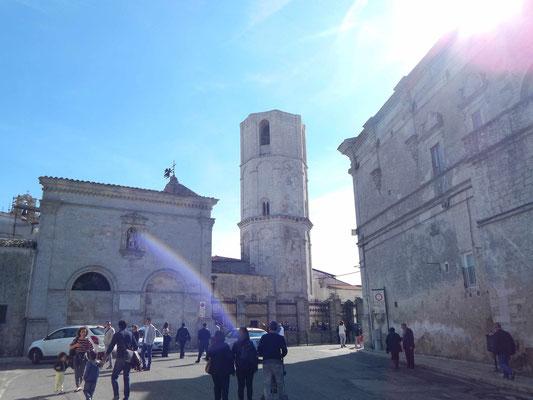 l'esterno del Santuario ed il campanile ottagonale