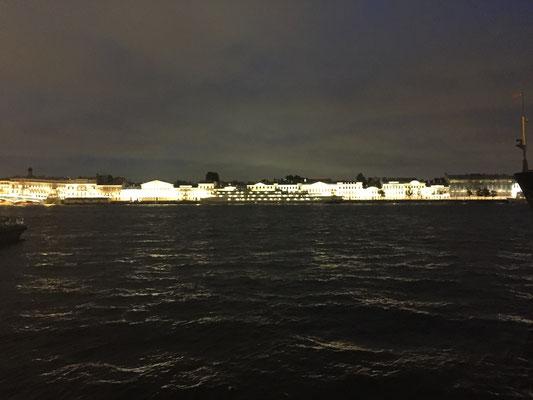 St. Peterburg bei Nacht (und nach einigen Bier)