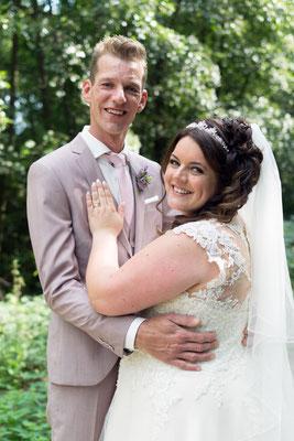 Hochzeitsshooting mit Braut und Bräutigam