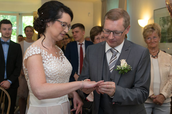 Ringtausch von Braut und Bäutigam