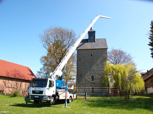 Kranarbeiten Kirchturm