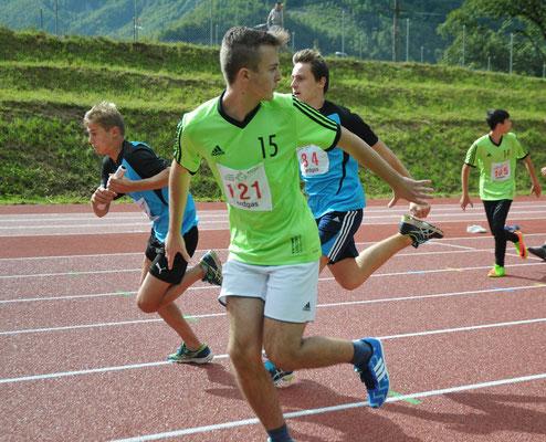 Leichtathletik Sept. 17: 5x80m Sprint mit Stabübergabe für den Schulssläufer