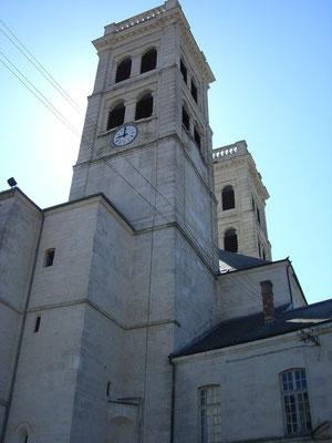 Die Kathedrale - im Krieg wurde sie durch die Bombardierung beschädigt