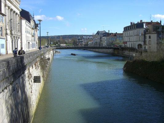 Blick auf die Pont Beaurepaire links das Theater