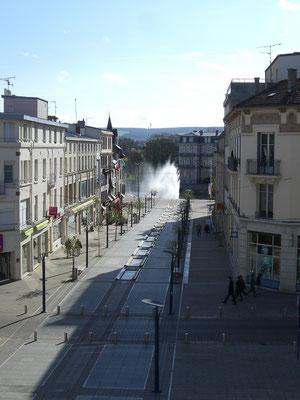 Blick vom Siegesdenkmal in die Av. de la Victoire