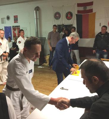 Jürgen Brichta von der Taekwon-Do Schule Sam Chae bei 1. DAN Prüfung im Traditionellem Taekwon-Do