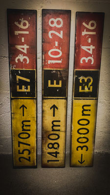Taxiway Signs, Holz, 120x20cm - CHF 240/Stk.