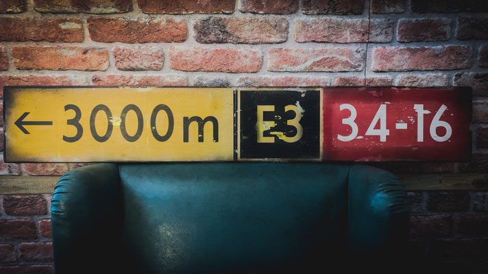 Taxiway Sign, Holz, 120x20cm - CHF 240