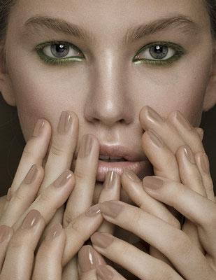 FÜHLBAR - dreamingless magazine - issue 39 - photography: violetta koenig - photography assistant: robert lunak - makeup/hair: anie lamm-siu - model: alice @tempomodels
