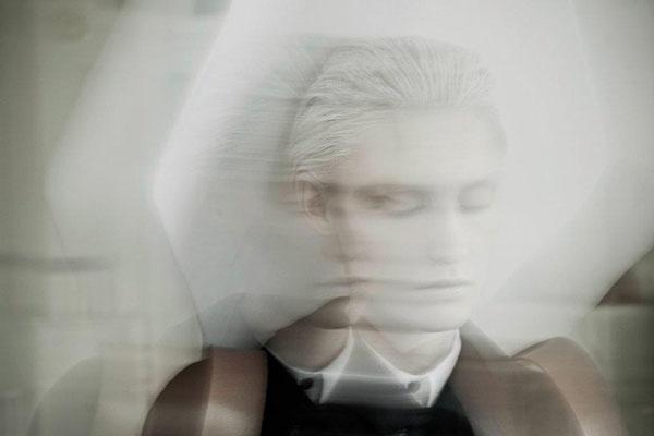 """mr. & mrs. bugg dreaming a vacation"" - photographer: andreas waldschuetz - creative director: adia trischler - makeup & hair: anie lamm-siu - model: jana wieland"