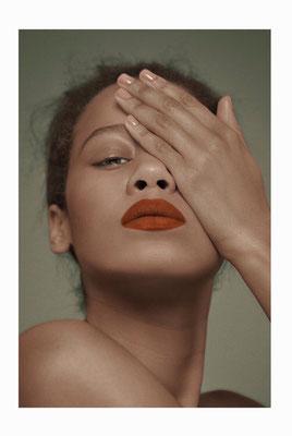 FÜHLBAR - dreamingless magazine - issue 39 - photography: violetta koenig - photography assistant: robert lunak - makeup/hair: anie lamm-siu - model: mary@stellamodels