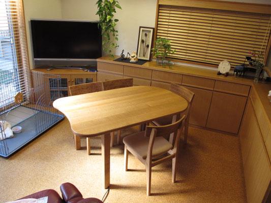角を丸くしたテーブル 岐阜県 加茂郡 川辺町 家具工房ウッドスケッチ ウッドスケッチ