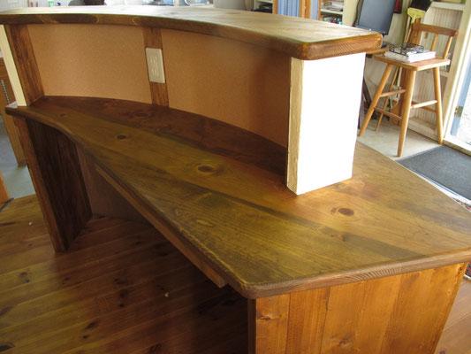 美容院のカウンターテーブル