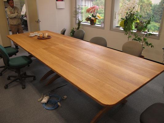 なが~~い会議用テーブル