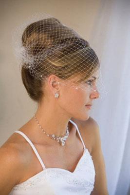 Peinado de novia para Cara Redonda