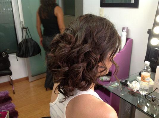 Este es un peinado para una novia natural