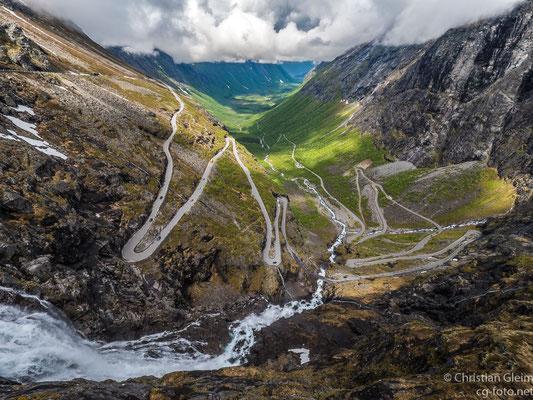 Norwegen,  Romsdahler Alpen,  Abstieg Trollstigen,  03.06.2017