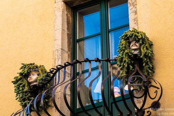 Kopfschmuck in Taormina