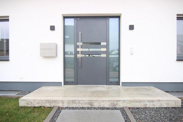 Alu Haustüre mit 2 Seitenteilen