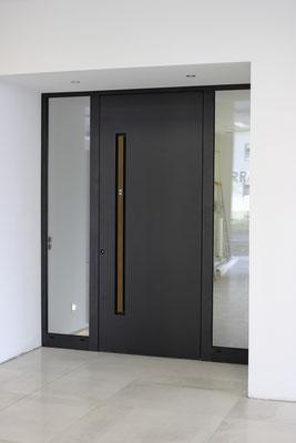 Große Inotherm Türen Ausstellung bei Düsseldof