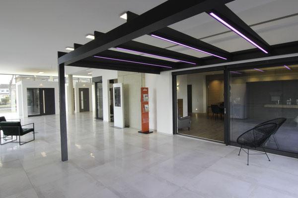 Kubisches Terrassendach in Kreuzau - Wintergarten Ausstellung in Düren