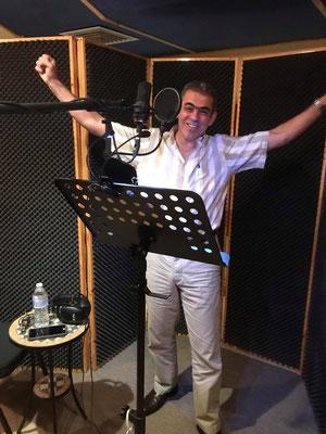 Tony Gazel Cantante en Cántico Producciones