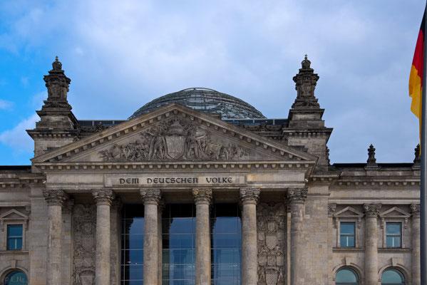 Giebel des Reichstags