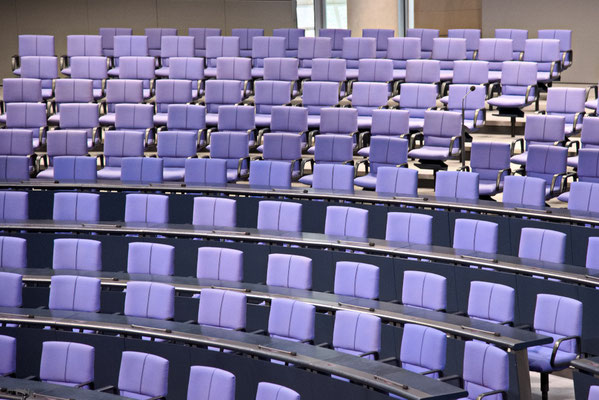 Sitze im Plenarsaal