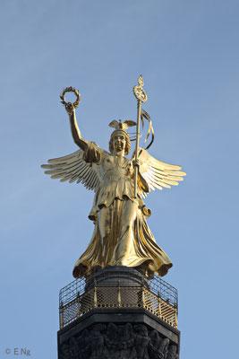 """Siegessäule mit der Figur der Viktoria - Im Volksmund als """"Goldelse"""" bezeichnet"""