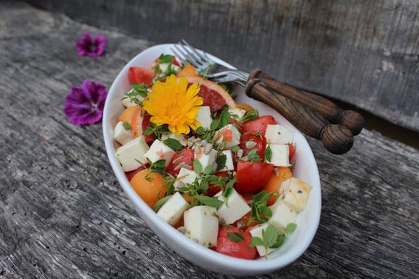 Selbstgemachtes Foto vom Melonensalat - auch im Kochbuch Tante Emma kocht nachhaltig